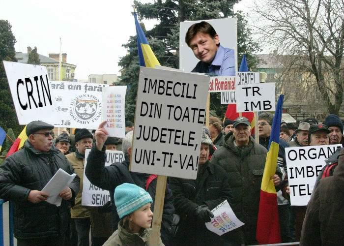 Comunităţile de imbecili din Teleorman salută candidatura lui Crin Antonescu în judeţul lor