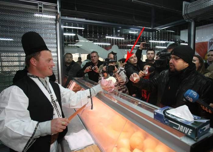 Incidente la inaugurarea magazinului lui Ghiţă Ciobanul: O femeie a fost mulsă în îmbulzeală!