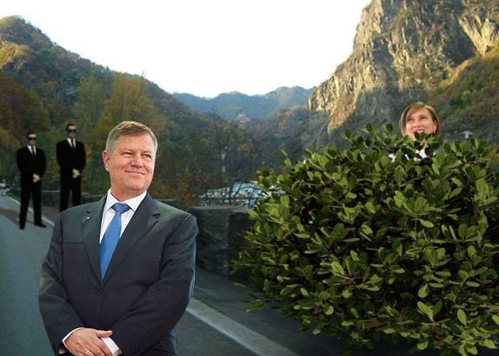 Trafic blocat pe Valea Oltului, după ce coloana lui Iohannis s-a oprit ca să facă Carmen pipi
