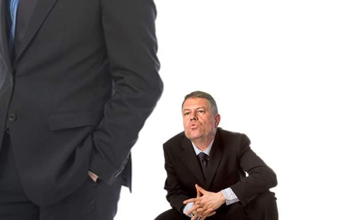 Pas cu pas! Iohannis a cerut o vizită conjugală la Jilava, ca să-l pupe în cur și pe Dan Voiculescu