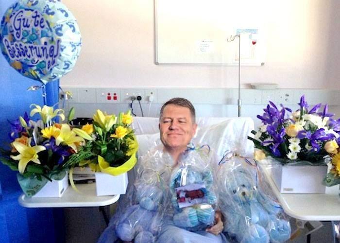 Iubit! După operaţia la umăr, Iohannis a primit flori de la zeci de hoteluri din străinătate