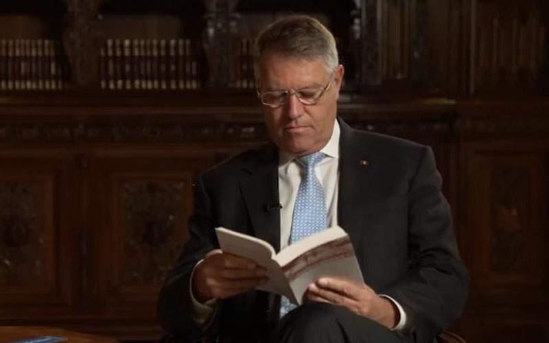 De ziua lui Eminescu, Klaus Iohannis va recita Luceafărul între orele 16-24.00