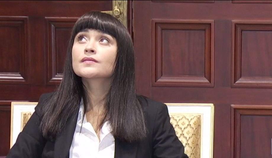 """Irina Rimes, aleasă ambasadoarea coronavirusului în România cu hitul """"Bolnavi amândoi"""""""