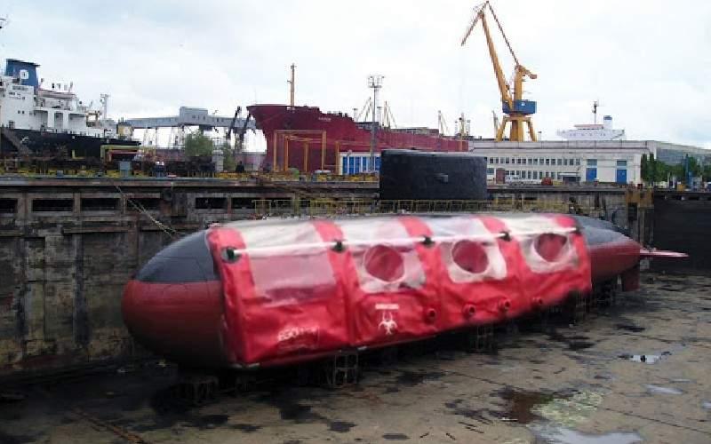 Submarinul Delfinul a fost tras pe uscat și va fi folosit ca izoletă