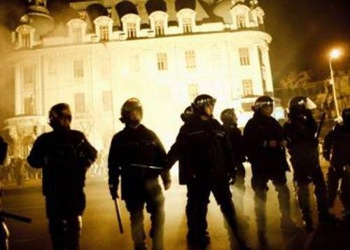 Contingentele de jandarmi, decimate! Jandarmii fără 4 clase nu mai au voie la manifestaţii