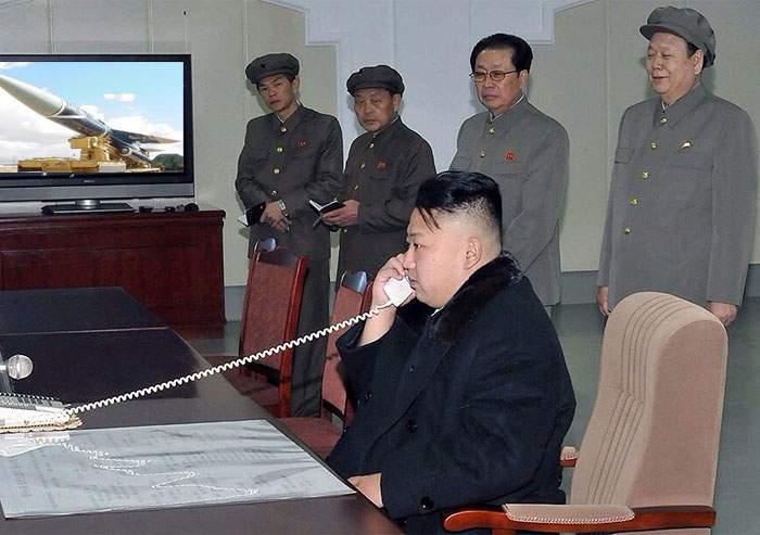 """SUA şi-au pierdut răbdarea cu Coreea de Nord! """"Vă construim noi racheta nucleară, să nu vă mai faceţi de râs"""""""