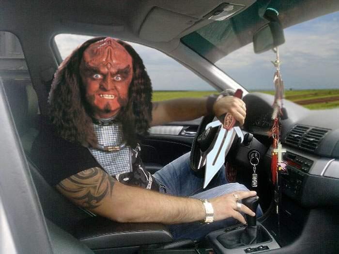 N-au pic de ruşine! Fiul unui deputat klingonian a fost prins cu Warp 5 pe Autostrada Soarelui