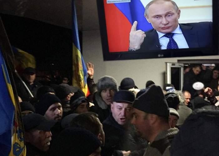 """Kremlinul îndeamnă la calm în Moldova: """"Opriţi violenţele! Staţi să ajungem şi noi!"""""""