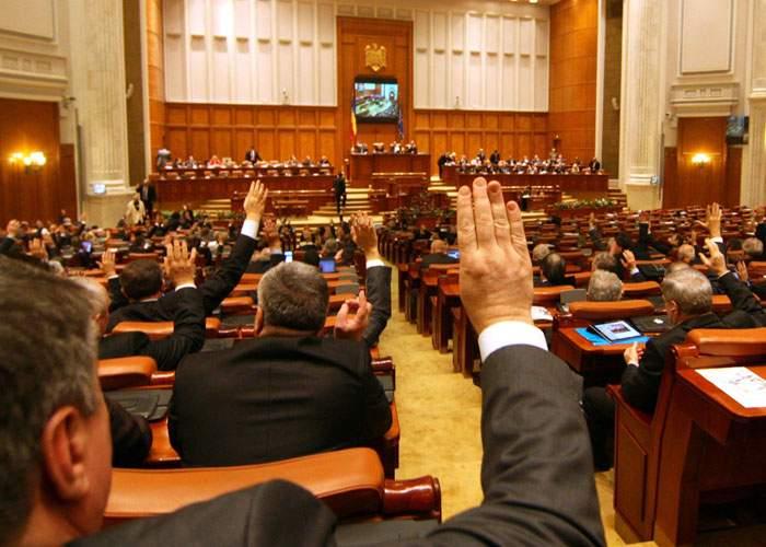 Abundenţa legislativă ne costă! România mai are voie să dea doar 2 legi!