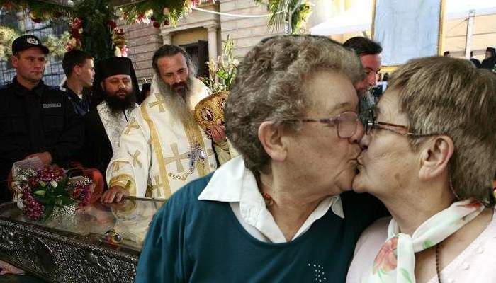 Scene de lesbianism la Sf. Parascheva. Mai multe babe s-au pupat între ele crezând că sunt moaşte
