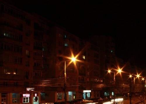 Locatarii unui bloc din Militari nu s-au putut odihni peste noapte din cauza liniştii de pe stradă!