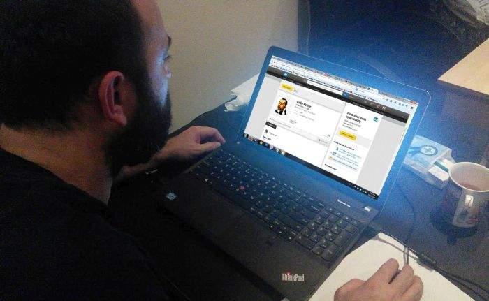 Pregătiri de emigrare pe LinkedIn! Românii își completează CV-urile în engleză, în caz că iese Ponta