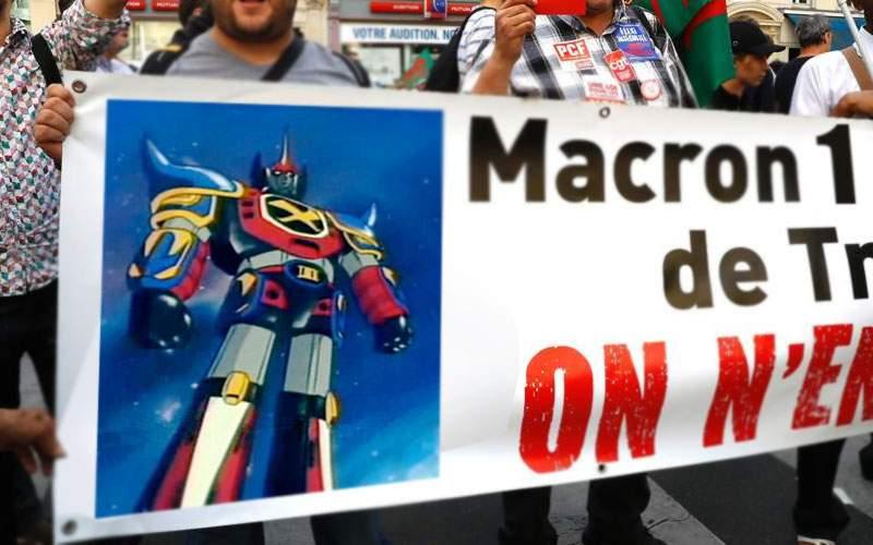 Chiar nu le plac desenele cu roboţi! Francezii continuă protestele împotriva lui Macron 1