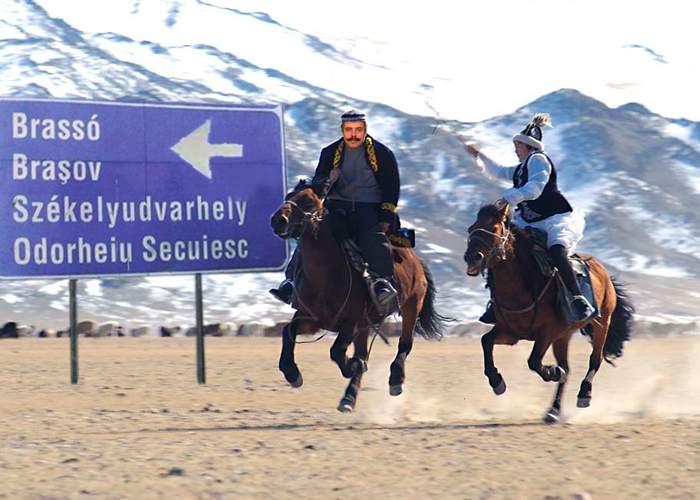 """""""Nu vă e dor?"""" Maghiarii serbează 1300 de ani de la plecarea lor de acasă, din Munţii Altai"""