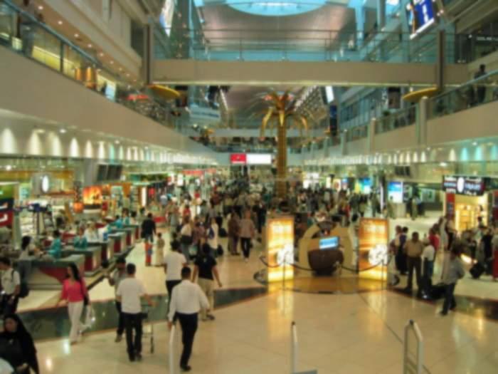 Minivacanţă de iarnă: mii de români preferă să meargă la mall în Austria, că e mai ieftin
