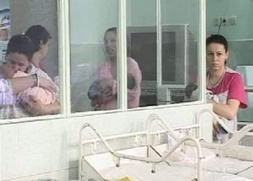 Scandalos! Mame schimbate la naştere în maternitatea Zimnicea