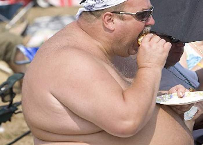 """Un doctor excentric anunţă o dietă minune: """"Să nu mai mănânci ca porcul!"""""""