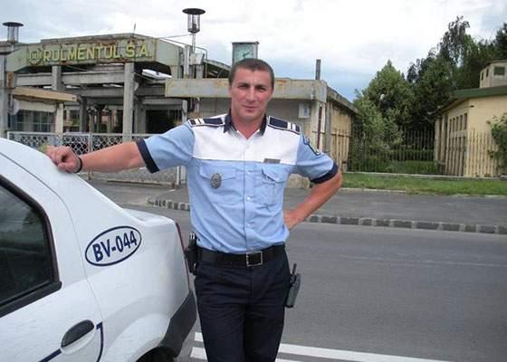 Poliţistul Marian Godină, respins a cincea oară la Academia de Poliţie, pentru că e deja poliţist