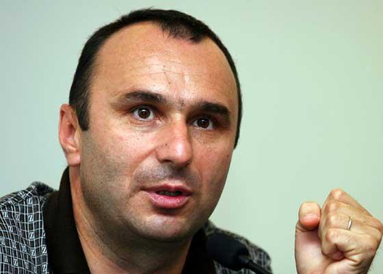 Ambasadorul Elveției a declarat război României după ce a citit o poezie de-a lui Marius Tucă