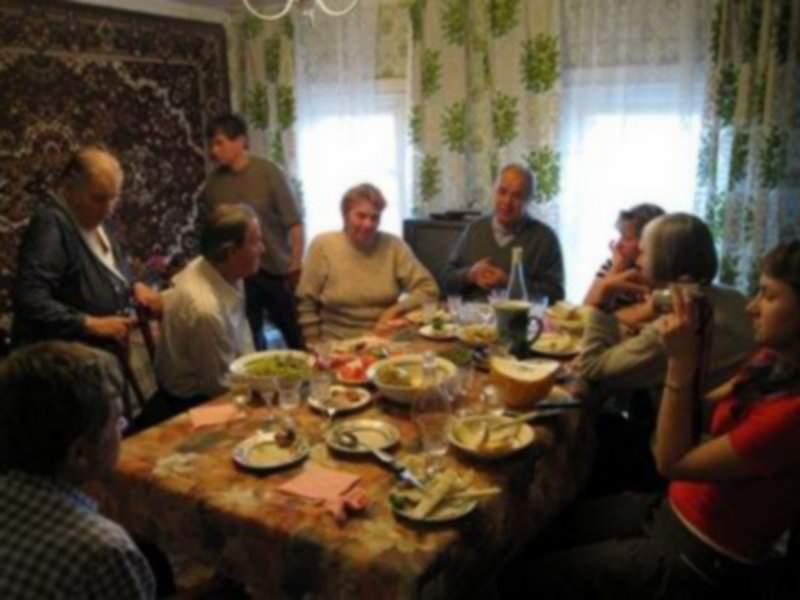 Un român abia așteaptă sărbătorile în familie, să discute despre boli și moarte