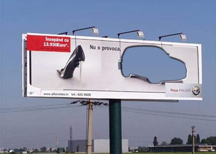 Un caracalean a furat maşina dintr-un panou publicitar