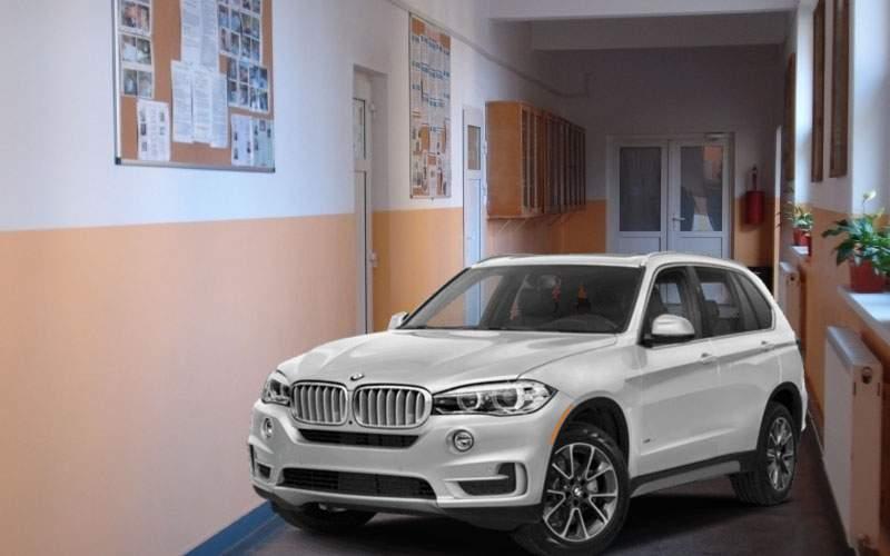 Şcolile din Bucureşti vor avea uşi mai late, să putem duce copiii cu maşina până în clasă