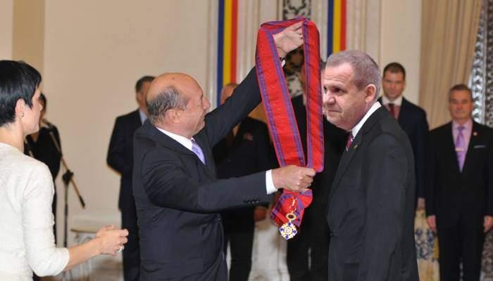 Respect! Gheorghiță Mateuț a fost decorat de Traian Băsescu, pentru mari servicii aduse justiției