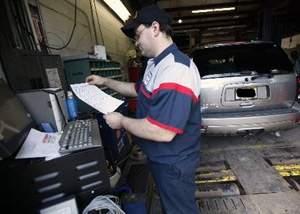 Un mecanic auto a fost dat afară după ce i-a spus unui client preţul real al manoperei