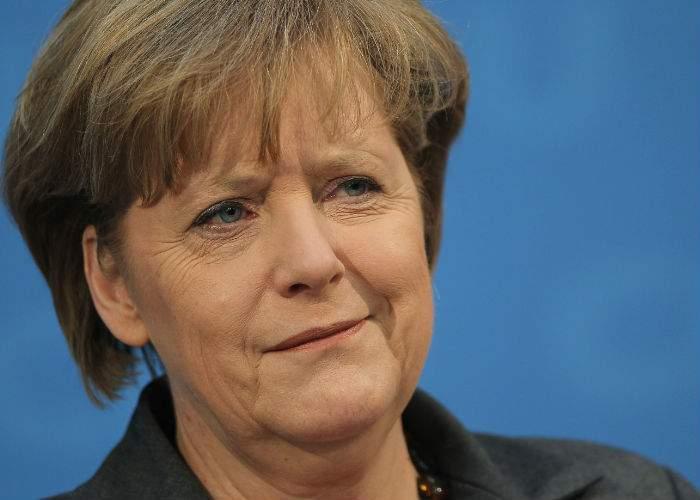 Nemţii clarifică: Angela Merkel nu şi-a rupt pelvisul! A fost o regretabilă greşeală de tipar
