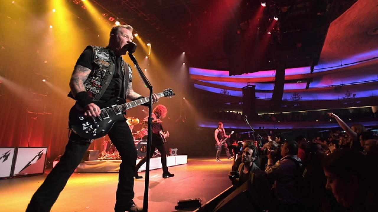 Fanii sunt revoltați! Metallica a cântat aseară o manea de la Depeche Mode