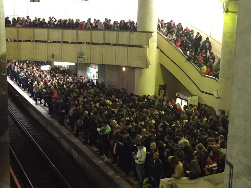 Restricții la metrou! Pentru a preveni aglomerația, grașii și evreii nu vor mai avea acces pe peron