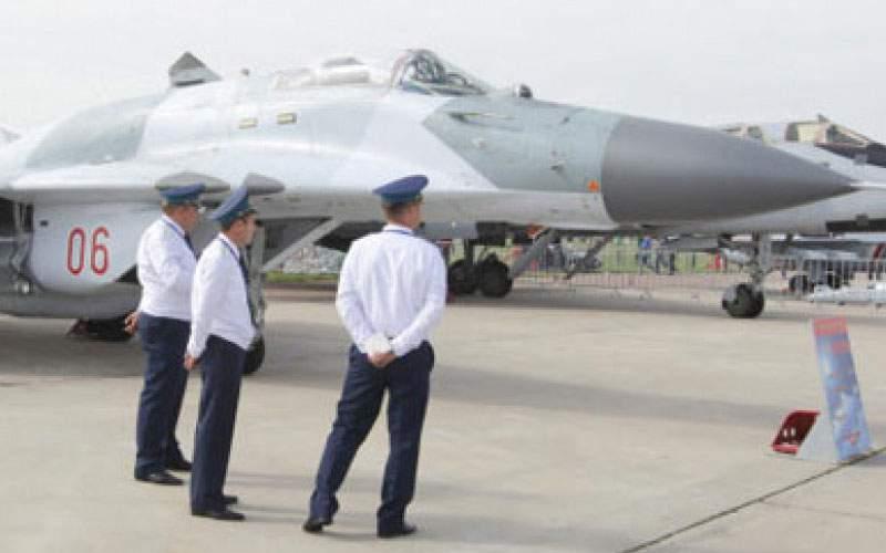 Rusia dezvăluie azi cel mai amuzant avion de vânătoare: MIGutzu