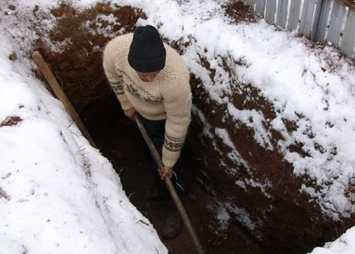 Legea minelor, respinsă! Un gropar a fost deja arestat pentru tentativă de minerit în cimitir