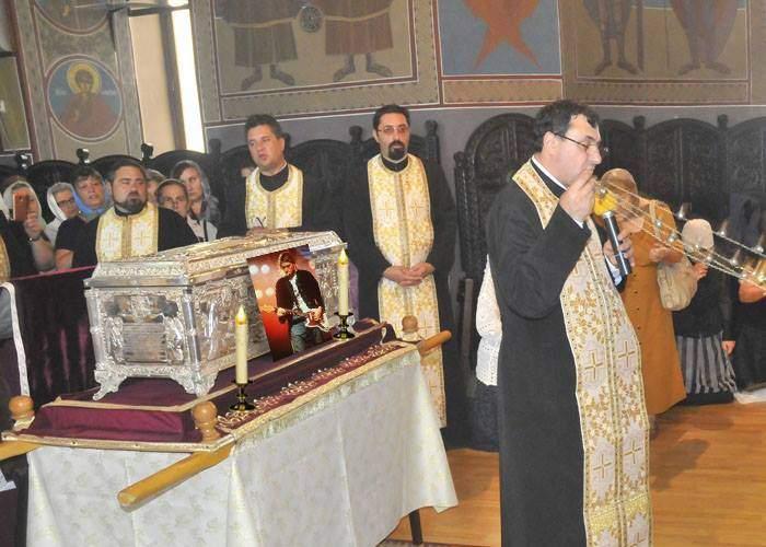 Patriarhul încearcă să apropie tinerii de Biserică! Vrea să aducă în țară moaștele lui Kurt Cobain
