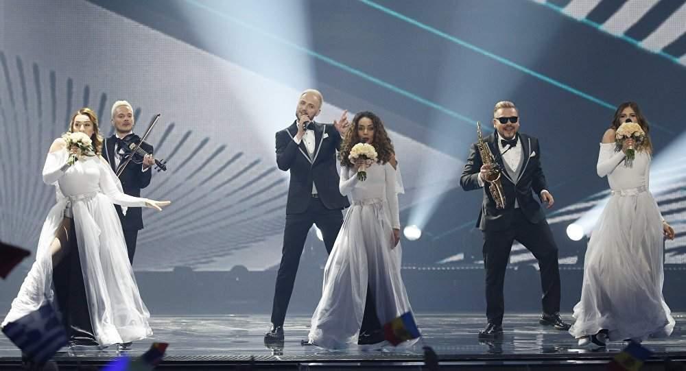 Supărați că nu le-am dat punctaj maxim la Eurovision, moldovenii au început să ne timbreze țigările de contrabandă