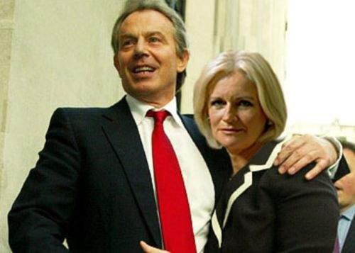 Tony Blair a venit în România ca să se pozeze cu Monica Tatoiu