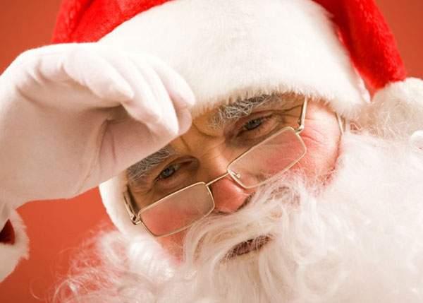 Moş Crăciun trage un semnal de alarmă: Copiii români îmi trimit scrisori de analfabeţi
