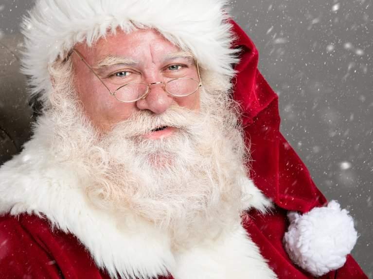 Moş Crăciun face propagandă gay? Un puşti i-a scris că vrea un trenuleţ şi a primit zece omuleţi Lego