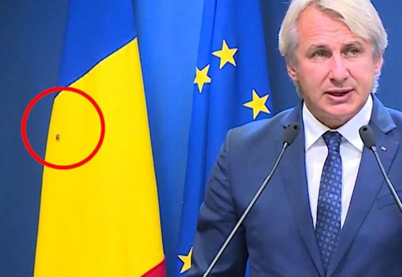 Guvernul României dezminte: Nu era gândac pe steag, era un muc!