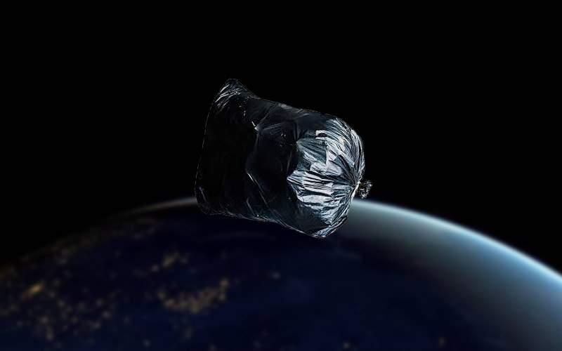 Credeai că ţie ţi-e greu? Pe Elon Musk îl pune nevasta să ducă gunoiul în spaţiu