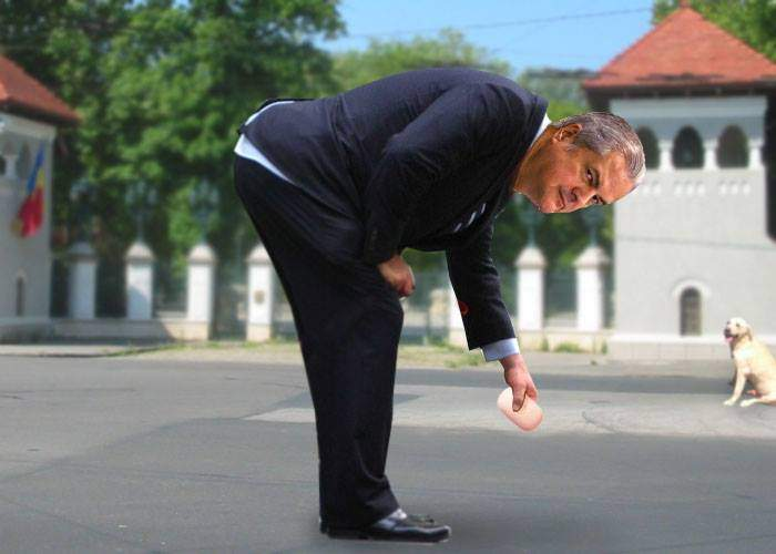 Efectul Iohannis. Adrian Năstase se plimbă prin jurul palatului Cotroceni şi tot scapă chestii pe jos