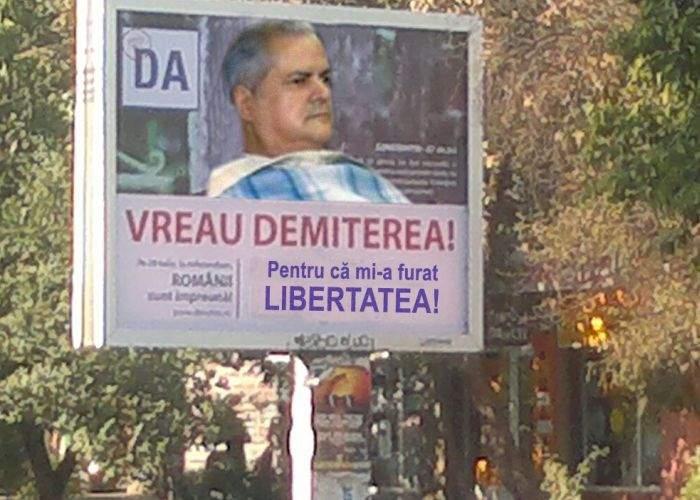 """Adrian Năstase votează DA la referendum: """"Pentru că mi-a furat libertatea!"""""""