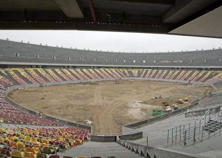 Firma Bechtel, chemată să asfalteze terenul de pe Național Arena