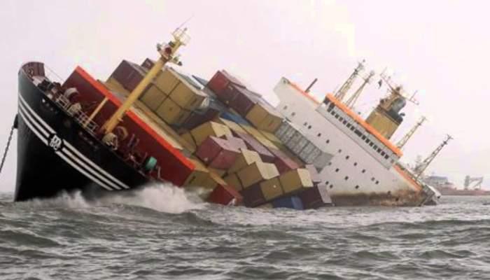 Colaps în învăţământ. Vaporul chinezesc cu diplome de Spiru Haret s-a scufundat în Bosfor