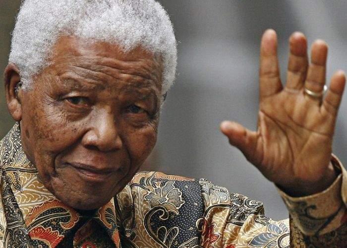 Zece omagii aduse de persoanele publice din România lui Nelson Mandela