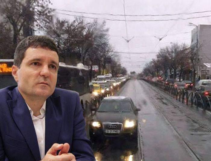 Gabi Firea a trecut maşina primăriei pe numele lui Nicuşor Dan şi minte că el a mers pe linia de tramvai