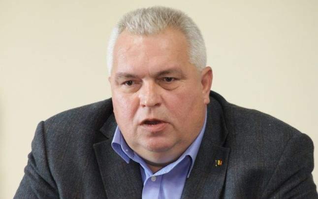 Nicuşor Constantinescu, bătut de soartă: după ce a mai luat 10 ani, a făcut şi pestă porcină