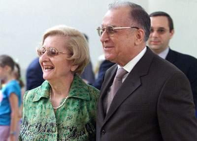 Ion Iliescu divorțează de Nina