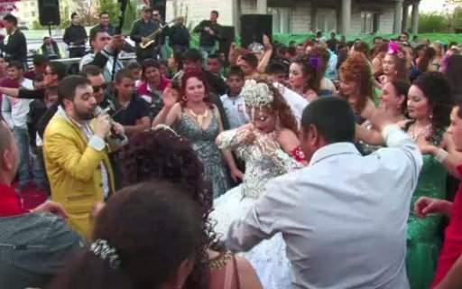 Record! O familie de ţigani a organizat prima nuntă care s-a putut auzi din spaţiu