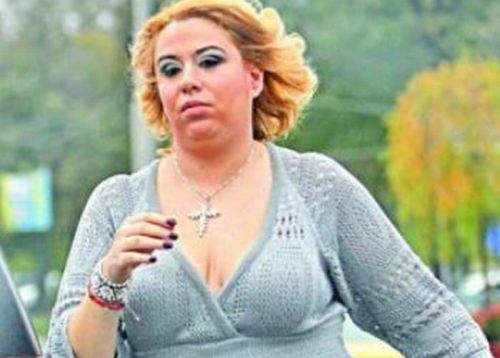 Oana Roman, alergată de nişte cetăţeni cu cuţite şi un arzător cu butelie